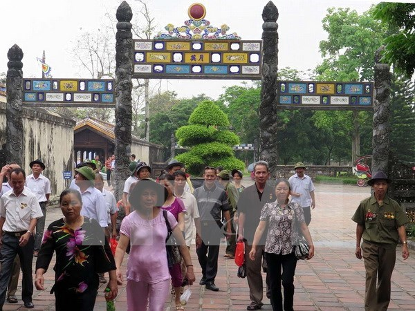 Thua Thien-Hue receives over 2 million tourists in 8 months hinh anh 1