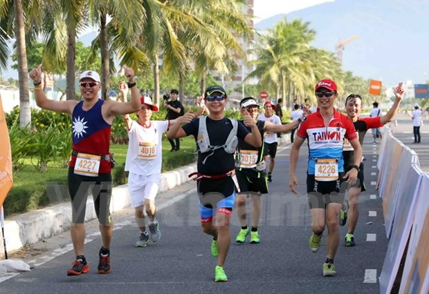 Thanh, Nishizawa win marathon titles hinh anh 1