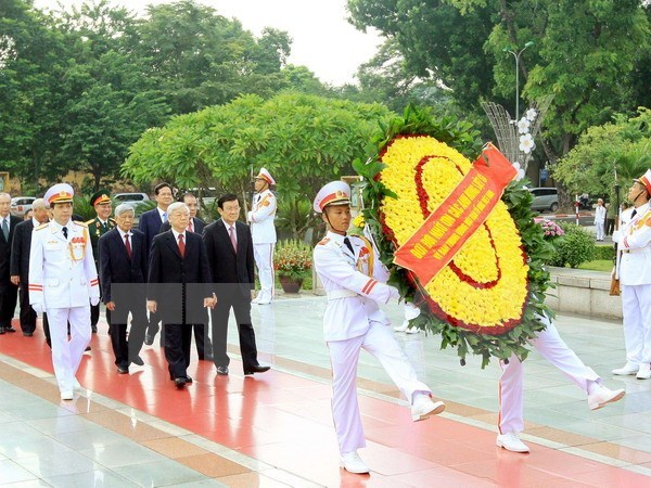 President Ho Chi Minh, fallen soldiers remembered on National Day hinh anh 1