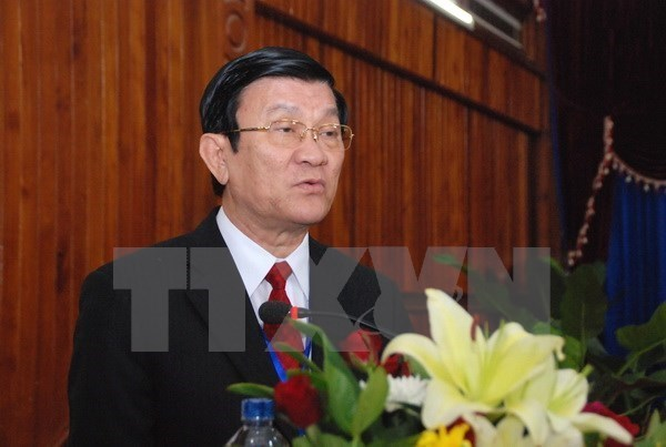 President leaves for anti-fascist war victory celebration in Beijing hinh anh 1