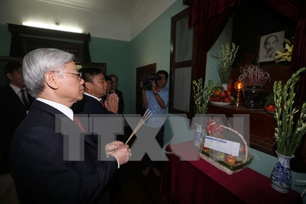Party chief pays tribute to President Ho Chi Minh hinh anh 1