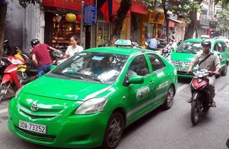 Vietnam eyes lower transport prices hinh anh 1