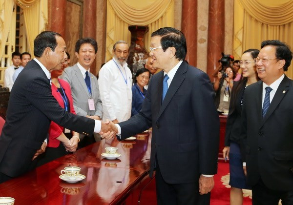 President receives delegates to conference for solidarity with Cuba hinh anh 1