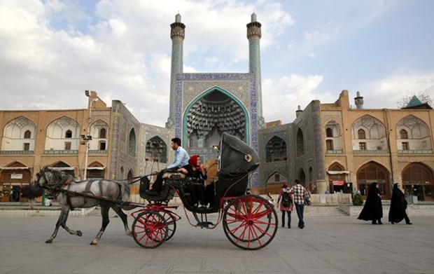 Iranian city eyes tourism cooperation with Vietnam hinh anh 1