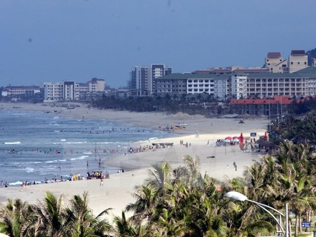 Da Nang cuts prices to draw tourists hinh anh 1