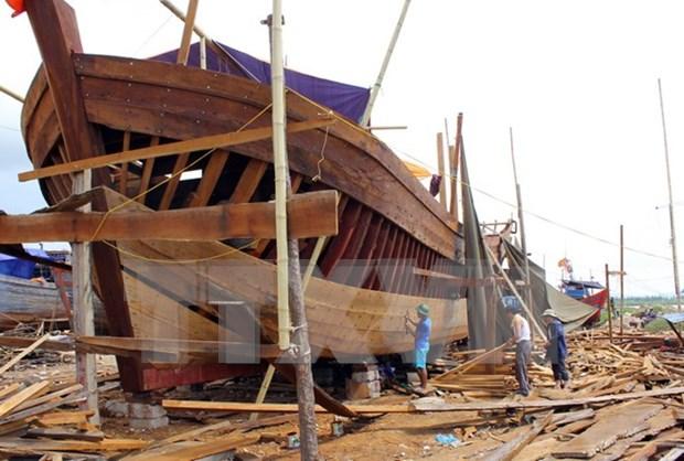 More Quang Binh fishermen to receive shipbuilding loans hinh anh 1