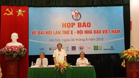 Over 500 delegates join 10th Vietnam Journalists Association Congress hinh anh 1