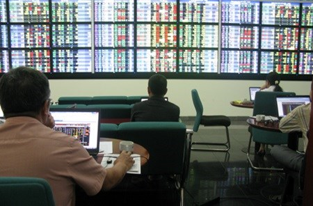 Stocks reverse last week's losses hinh anh 1