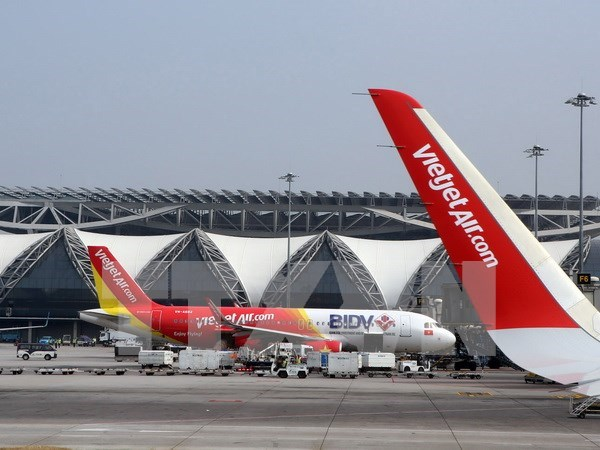 VietJet Air doubles revenue in the first 6 months hinh anh 1