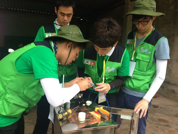 RoK volunteers join charitable activities in Quang Tri hinh anh 1