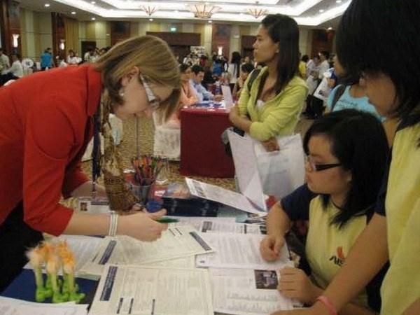 Vietnam, Russia enhance education bonds hinh anh 1