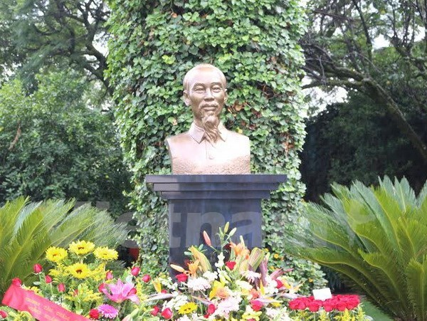 Statue of President Ho Chi Minh inaugurated in Mexico hinh anh 1