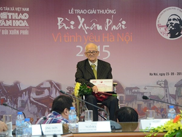 Researcher spends all life to study Hanoi hinh anh 1