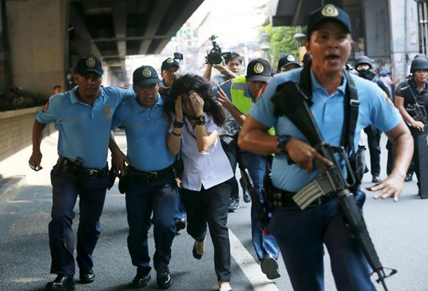 Philippines: passenger bus hijacked in Manila hinh anh 1