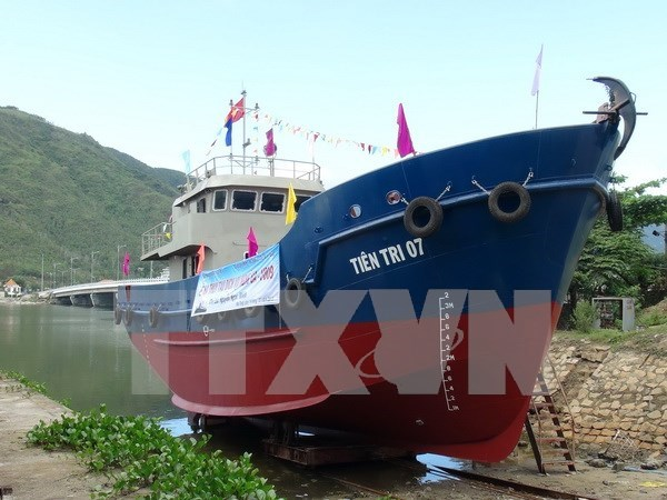 New Decree tackles bottleneck in fishermen ship building hinh anh 1