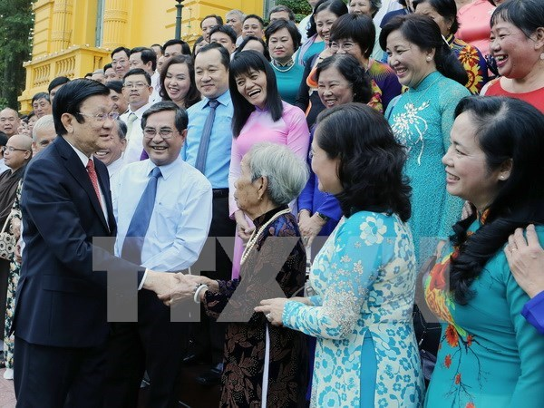 President praises mass mobilisation workers' contributions hinh anh 1