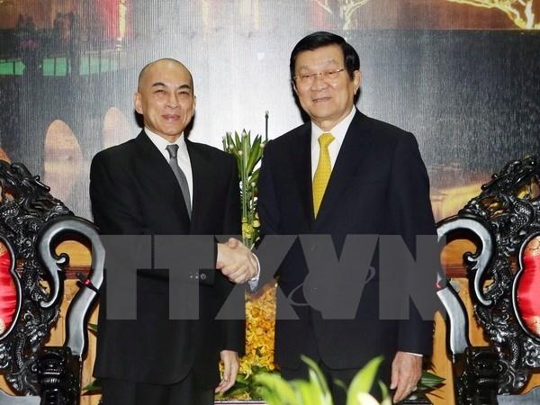 Cambodian King begins leisure tour of Vietnam hinh anh 1