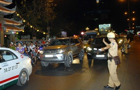Hanoi, HCM City seek to improve traffic management hinh anh 1
