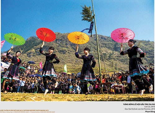 Vietnam heritage photo exhibition opens in Binh Thuan hinh anh 1
