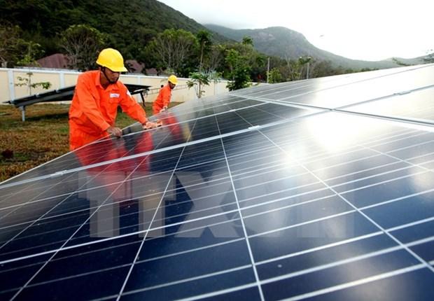 Deputy PM urges solar power development hinh anh 1