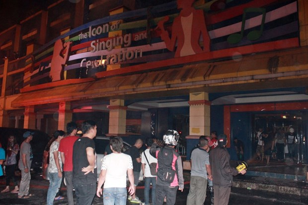 Nearly 20 killed at karaoke bar blaze in Indonesia hinh anh 1