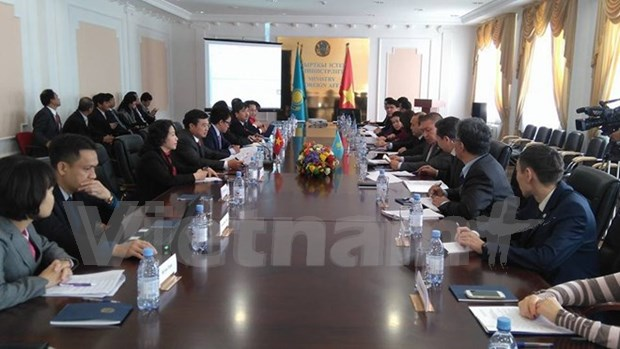 Vietnam, Kazakhstan promote multifaceted ties hinh anh 1