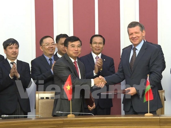 Vietnam, Belarus seek all-round co-operation hinh anh 1