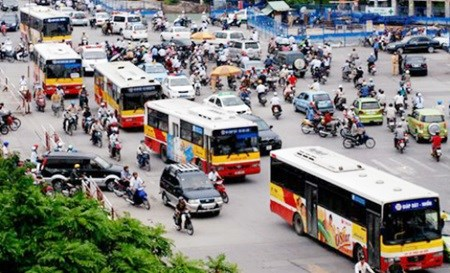 HCM City to allow ads on buses hinh anh 1