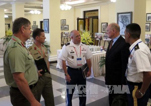 ASEAN experts seek solutions to UXO problem hinh anh 1