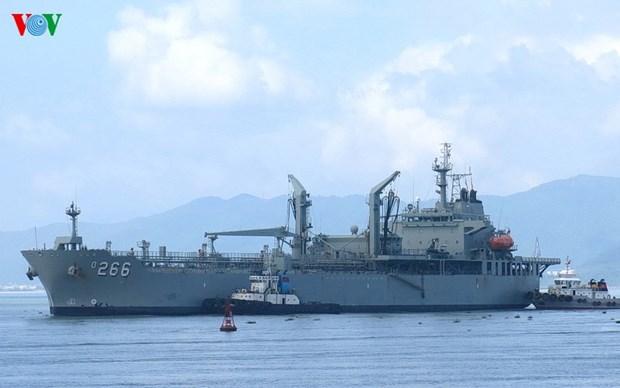Australian naval ship visits Da Nang hinh anh 1