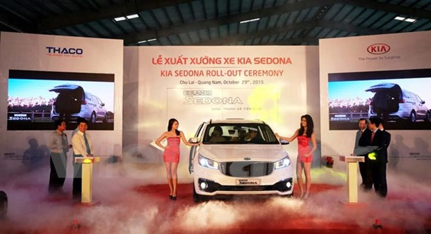 Thaco launches made-in-Vietnam Kia Sedona hinh anh 1