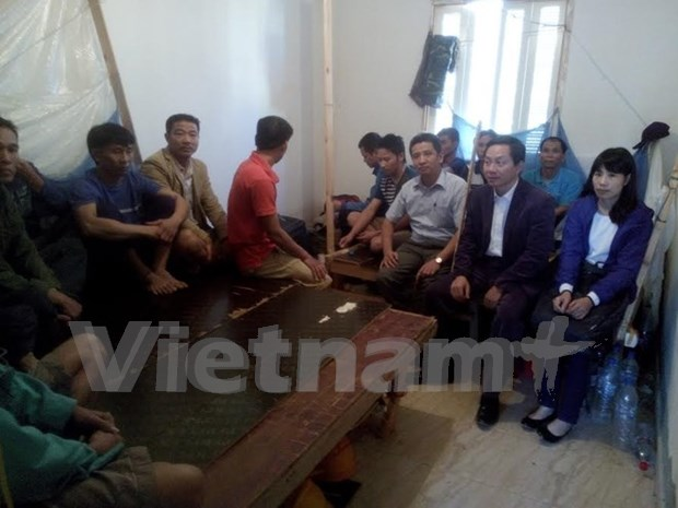 Vietnamese workers in Algeria to be brought back home hinh anh 1