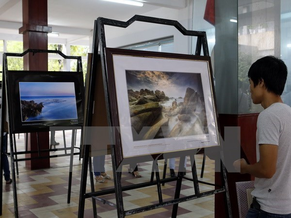 Photo exhibition on Vietnamese heritage sites opens in Da Nang hinh anh 1