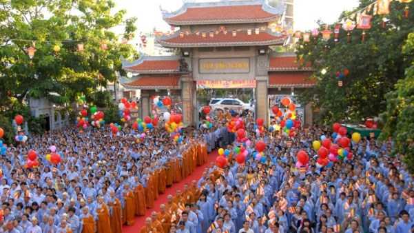 Religions live together in Vietnam hinh anh 1