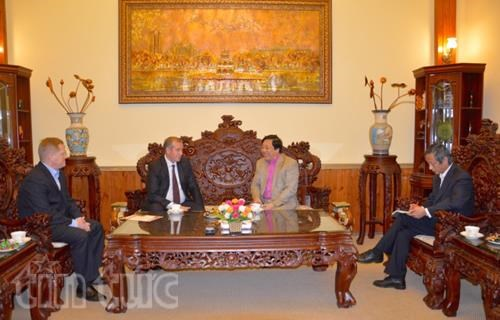 Ambassador pushes ties between localities of Vietnam, Russia hinh anh 1