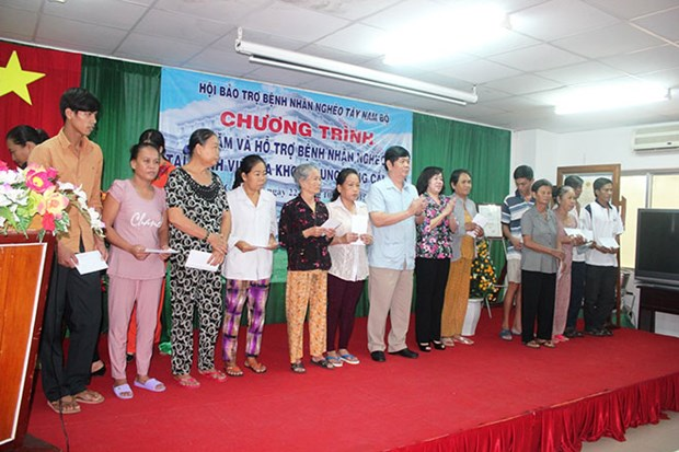 Poor patients in Southwestern region well cared hinh anh 1