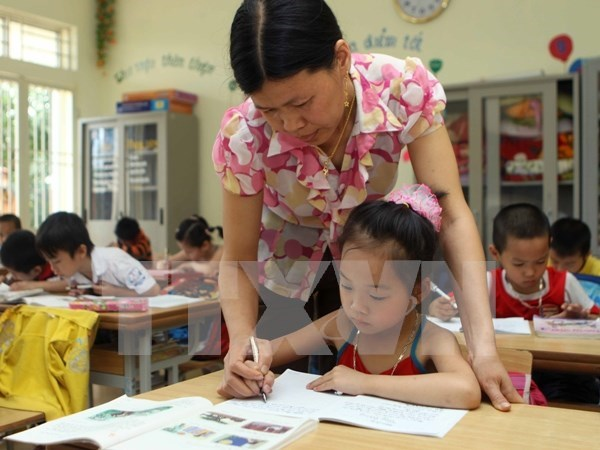 Bilingual courses lack teachers hinh anh 1