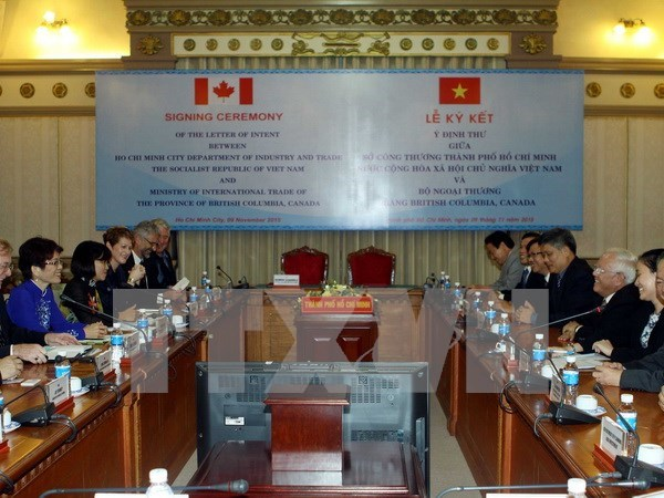 HCM City, Canadian province tighten investment, trade links hinh anh 1