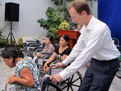 USAID steps up support for people with disabilities in Binh Phuoc hinh anh 1