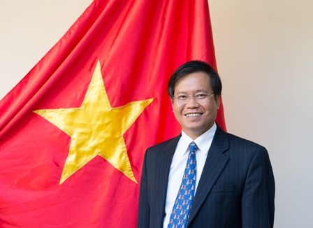 New ambassador vows to intensify friendship with Indonesia hinh anh 1