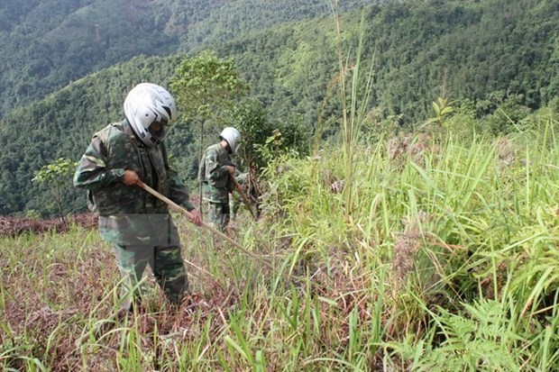 RoK helps Vietnam train mine clearance personnel hinh anh 1