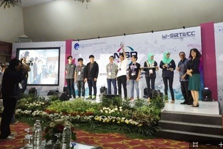 Vietnamese team wins SEA cyber tournament hinh anh 1
