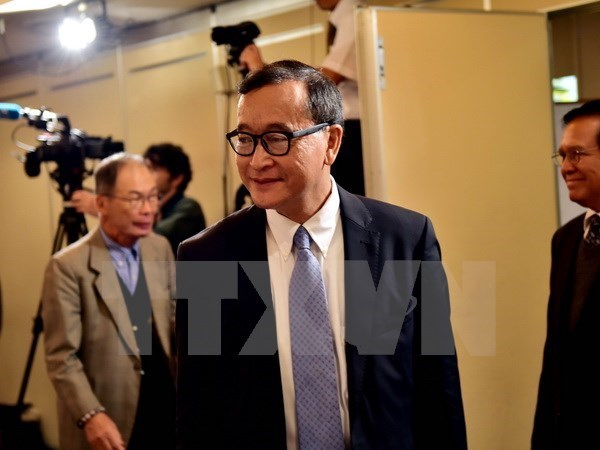 Cambodia forms committee to execute warrant for Sam Rainsy arrest hinh anh 1