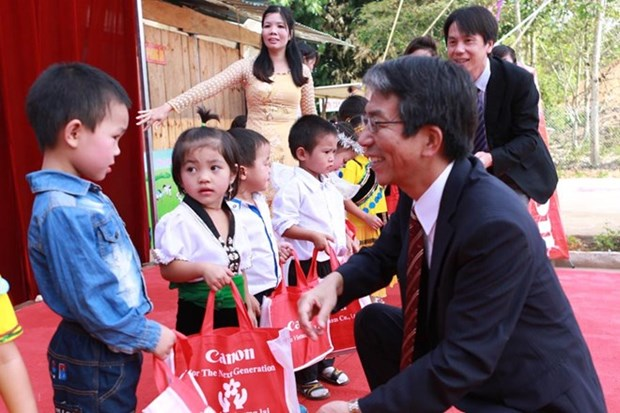 Canon Vietnam promotes 3R practice for environment protection hinh anh 1