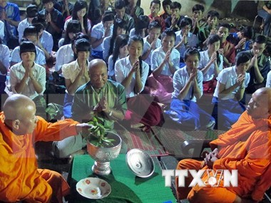 Events celebrate Khmer's Ok-Om-Bok festival hinh anh 1