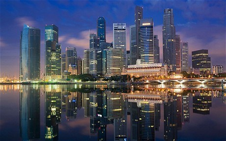 AEC helps Singapore's GDP surge hinh anh 1