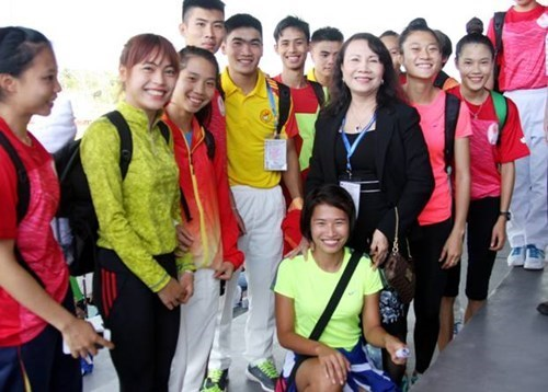 Vietnam win 10 gold medals at ASEAN School Games hinh anh 1