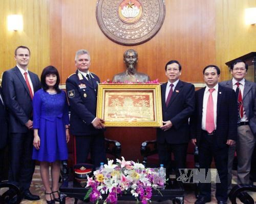 Vietnam, Hungary share experience in environmental issue hinh anh 1