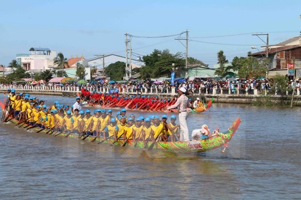 "Khmer people celebrate ""moon-worshipping"" festival hinh anh 1"