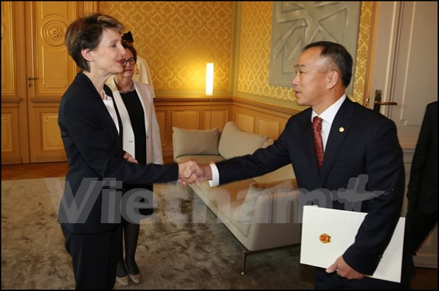 Switzerland values relations with Vietnam hinh anh 1